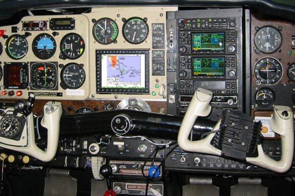 Beech F33A Bonanza, MT-VisionAir EP, Panel Installation<br>